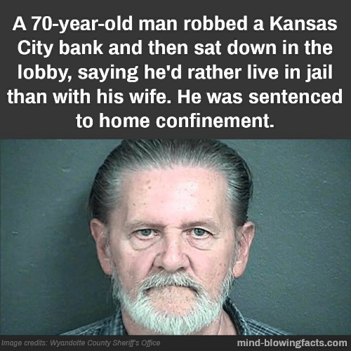 A 70-Year-Old Man Robbed a Kansas City Bank and Then Sat