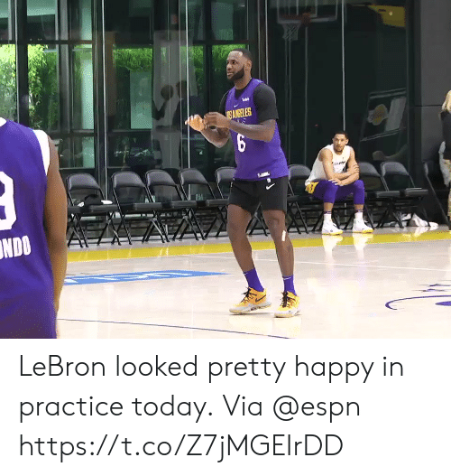 Sizzle: ANGELES  NDOA LeBron looked pretty happy in practice today.  Via @espn https://t.co/Z7jMGEIrDD