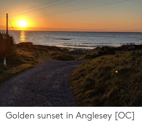 Sunset and Golden: Golden sunset in Anglesey [OC]