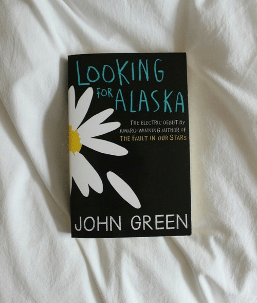 Fault in Our Stars, Stars, and The Fault in Our Stars: LOOKING  OALASKA  THE ELECTRIC DEBUT By  AWARO-WINNING AUTHOR OF  THE FAULT IN OUR STARS  JOHN GREEN
