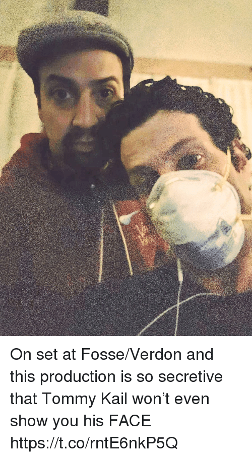 Memes, 🤖, and Set: On set at Fosse/Verdon and this production is so secretive that Tommy Kail won't even show you his FACE https://t.co/rntE6nkP5Q
