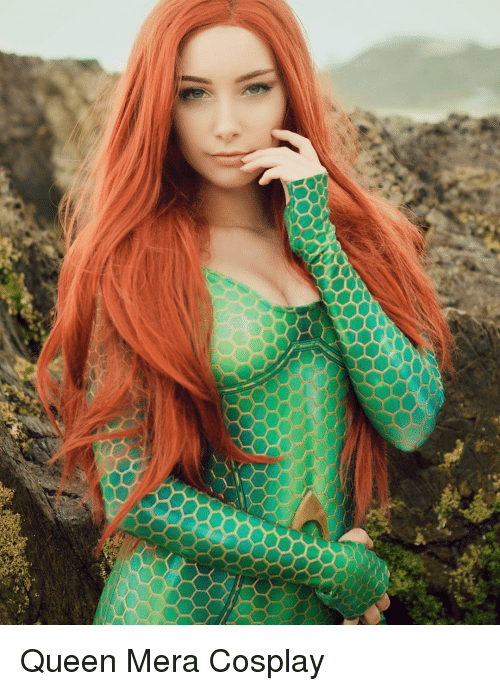 Queen and Cosplay: Queen Mera Cosplay