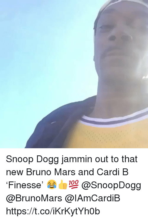 Bruno Mars, Memes, and Snoop: Snoop Dogg jammin out to that new Bruno Mars and Cardi B 'Finesse' 😂👍💯 @SnoopDogg @BrunoMars @IAmCardiB https://t.co/iKrKytYh0b