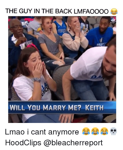 Funny, Lmao, and Back: THE GUY IN THE BACK LMFAOOOO  WILL YOU MARRY ME? KEITH Lmao i cant anymore 😂😂😂💀 HoodClips @bleacherreport