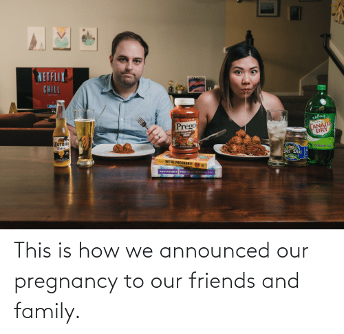 Family, Friends, and Pregnancy: This is how we announced our pregnancy to our friends and family.