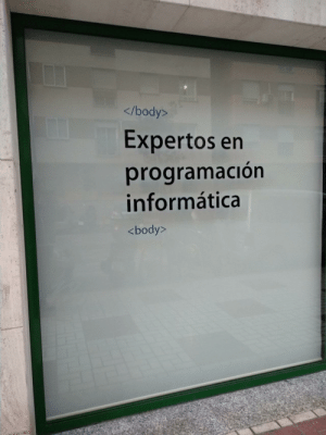 Experts in computer programming: </body>  Expertos en  programación  informática  <body> Experts in computer programming