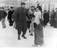"North Korea, Reddit, and Tumblr: <p><a href=""http://association-of-free-people.tumblr.com/post/168608313884/historicaltimes-che-guevara-greeting-a-woman-in"" class=""tumblr_blog"">association-of-free-people</a>:</p>  <blockquote><p><a href=""http://historicaltimes.tumblr.com/post/168606759740/che-guevara-greeting-a-woman-in-north-korea-1960"" class=""tumblr_blog"">historicaltimes</a>:</p><blockquote> <p>Che Guevara greeting a woman in North Korea <a href=""http://historicaltimes.tumblr.com/tagged/1960"">1960</a></p> <p><small>via <a href=""http://www.reddit.com/r/HistoryPorn/comments/7k0xrj/che_guevara_greeting_a_woman_in_north_korea_1960/"">reddit</a></small></p> </blockquote> <figure data-orig-width=""468"" data-orig-height=""317"" class=""tmblr-full""><img src=""https://78.media.tumblr.com/a143158cb1ee613797b7db30761ea3fd/tumblr_inline_p12a1dHOlk1svtbld_540.png"" alt=""image"" data-orig-width=""468"" data-orig-height=""317""/></figure><p>  Che Guevara greeting satan in Hell 1967<br/></p></blockquote>"