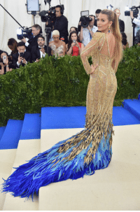 "Tumblr, Best, and Blog: <p><a href=""http://memehumor.net/post/160229972503/the-best-and-worst-looks-from-the-met-gala-as"" class=""tumblr_blog"">memehumor</a>:</p>  <blockquote><p>The best and worst looks from the Met Gala as determined by a person who can hardly dress herself.</p></blockquote>"