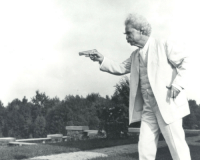 "Tumblr, Blog, and Http: <p><a href=""http://sublimegentlemanalpaca.tumblr.com/post/170808181667/peashooter85-mark-twain-with-his-colt-model-1903"" class=""tumblr_blog"">sublimegentlemanalpaca</a>:</p> <blockquote> <p><a href=""http://peashooter85.tumblr.com/post/155862520134/mark-twain-with-his-colt-model-1903-pistol-1908"" class=""tumblr_blog"">peashooter85</a>:</p> <blockquote><p>Mark Twain with his Colt Model 1903 pistol, 1908.</p></blockquote> <p>This really needs a humorous caption of some kind…</p> </blockquote>"