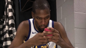 """Dunk, New York, and Saw: """"@ThisIsDefinitelyNotKD: Y'all saw that pathetic dunk attempt at the end of the game, right? KD wasn't the one who went 7-23. That's why he's gotta go to New York."""" https://t.co/4xwEKm8H76"""