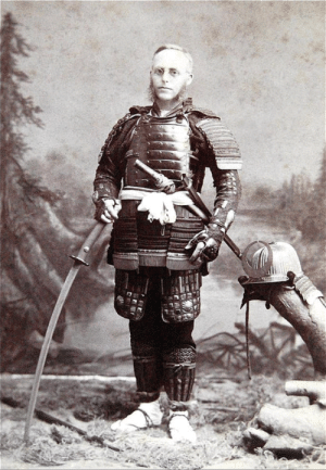 """1890, a western tourist pays to wear a samurais armor"". Behold the first weeb!: ""1890, a western tourist pays to wear a samurais armor"". Behold the first weeb!"