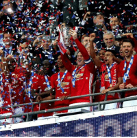 Celebration scens...!!! The party will go long in London...!!! Congratulations everyone and @manchesterunited...!!! This trophy success belongs to every fan,every player,every club member and everybody or anybody associated to Manchester United...!!! Congratulations again everyone...!!!: ナ  airs  .r》 Celebration scens...!!! The party will go long in London...!!! Congratulations everyone and @manchesterunited...!!! This trophy success belongs to every fan,every player,every club member and everybody or anybody associated to Manchester United...!!! Congratulations again everyone...!!!