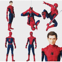"""SPIDER-MAN: HOMECOMING MAFEX action figure that will be released in October! 6"""" tall and will feature over 30 points of articulation!   (Andrew Gifford): 以 SPIDER-MAN: HOMECOMING MAFEX action figure that will be released in October! 6"""" tall and will feature over 30 points of articulation!   (Andrew Gifford)"""