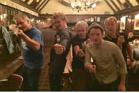 The Lord of the Rings Trilogy cast just have an epic reunion! LOTR lordoftherings 9gag @9gagmobile: 個  Win! The Lord of the Rings Trilogy cast just have an epic reunion! LOTR lordoftherings 9gag @9gagmobile