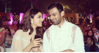 Memes, Wedding, and Bollywood: 匈 Shoaib Malik share a lighter moment with Bollywood actress Parineeti Chopra at his sister-in-law's wedding ceremony.