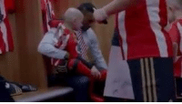 Terminally ill Sunderland fan Bradley Lowery seen here looking for Defoe and showing off his boots without a care in the world completely oblivious to his situation, such a brave young fella: 界 Terminally ill Sunderland fan Bradley Lowery seen here looking for Defoe and showing off his boots without a care in the world completely oblivious to his situation, such a brave young fella