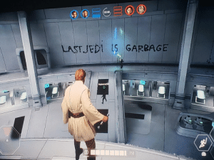 Jedi, Art, and Garbage: 03:48  LAST JEDI S GARBAGE  750 Interesting art piece we have here.