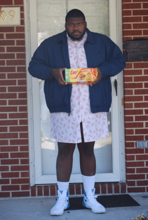 My buddy dressed up as Eleven in honor of Stranger Things season 2.: 09  Momestyle  STY My buddy dressed up as Eleven in honor of Stranger Things season 2.