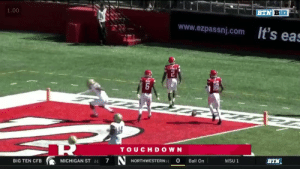 Rutgers' center celebrated a touchdown by going full Mike Tyson on his QB https://t.co/CJddA2wud4: 1.00  BTN BIG  www.ezpassnj.com ts eas  TOUCHDOWN  NORTHWESTERN-  7  0  BIG TEN CFB  MICHIGAN ST 21  Ball On  MSU 1  BTN Rutgers' center celebrated a touchdown by going full Mike Tyson on his QB https://t.co/CJddA2wud4