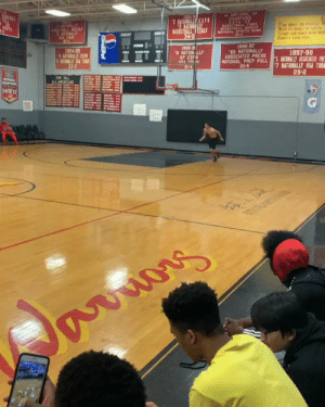 COLE ANTHONY'S HOPS!  https://t.co/d2z5fgmeCC: 10  1996-97  NATIONALLY  934-95  1997-98  ASSOCIATED PR ESSLY ASSICATESP  AP ESFN  NATIONAL PREP POLL  30-5  33-3  29-2 COLE ANTHONY'S HOPS!  https://t.co/d2z5fgmeCC