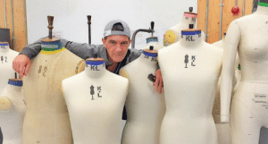 actual-alistair-theirin:uproxx:Antonio Banderas Wants You To Wear More Capes Antonio Banderas is taking a break from acting to study fashion in London in the hopes of reviving capes as a fashion accessory. View on UproxxThank you Antonio Banderas  I would die of happiness: 10 K  IF  KL  KL  38 KL  KL  WOMEN  CENTRAL  CF actual-alistair-theirin:uproxx:Antonio Banderas Wants You To Wear More Capes Antonio Banderas is taking a break from acting to study fashion in London in the hopes of reviving capes as a fashion accessory. View on UproxxThank you Antonio Banderas  I would die of happiness