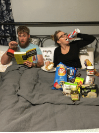 Pregnancy, Announcement, and Bar: 12  Dad's Guide  to Pregnancy  DUMMIES  ittle  RY  nutelld  Vi  gar  BAR <p>Our pregnancy announcement photo.</p>