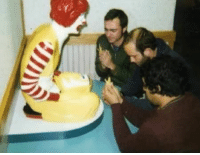 12 Funniest and Most Inappropriate Ronald McDonald Photos (ronald mcdonald images, funny mcdonald pictures) - ODDEE: 12 Funniest and Most Inappropriate Ronald McDonald Photos (ronald mcdonald images, funny mcdonald pictures) - ODDEE