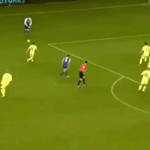 When you're playing as the goalkeeper on pro clubs https://t.co/vAuXixZzUT: 15 When you're playing as the goalkeeper on pro clubs https://t.co/vAuXixZzUT