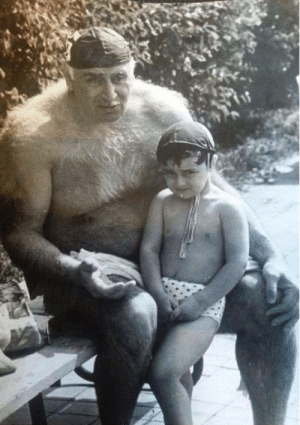 (1964) Child gets picture with first yeti/human hybrid: (1964) Child gets picture with first yeti/human hybrid
