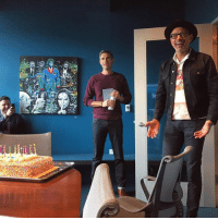 Jeff Goldblum came by two days after his birthday so we got him a cake & all signed a card. Happy birthday, Jeff! 🎂: 2  @可. Jeff Goldblum came by two days after his birthday so we got him a cake & all signed a card. Happy birthday, Jeff! 🎂