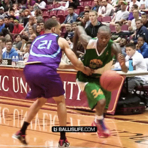 Memes, Nasty, and 🤖: 21  OSS  C UN  TY  34  BALLISLIFE.COM This move by Jamal Crawford was SO nasty people in the crowd were bowing to him https://t.co/5EhlFEwSl1
