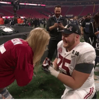 Alabama's BradleyBozeman proposes to his girlfriend after winning his first national title 💍🏆🙌 @espn @worldstar WSHH: 218 Alabama's BradleyBozeman proposes to his girlfriend after winning his first national title 💍🏆🙌 @espn @worldstar WSHH