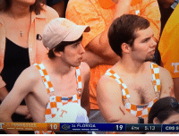"""Family, Sports, and Cbs: 23 TENNESSEE 10FLORIDA  124 FLORIDA  19 4TH 5:13 CBS S """"I TOLD you we shouldve gone to the family reunion instead. I'm tryin to meet chicks not watch this crap.""""  (pic via @OfficialCSO) #TENNvsUF https://t.co/8Jy7XW2K2M"""
