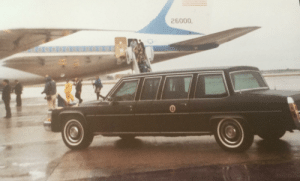 Air Force, Air, and Reagan: 26.000  aODO President Reagan's limo with Air Force One 1986
