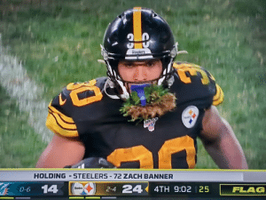 """Who are you suppose to be for Halloween?""   James Conner: ""Ryan Fitzpatrick"" https://t.co/WonXZwWNQP: 30  Steelers  HOLDING-STEELERS-72 ZACH BANNER  14  2-4 24  4TH 9:02 25  Steelers  FLAG  0-6 ""Who are you suppose to be for Halloween?""   James Conner: ""Ryan Fitzpatrick"" https://t.co/WonXZwWNQP"