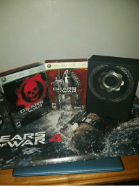 360  XBOX ARS  A  GEAIRS So I know I haven't been posting about fallout lately but it's hard to really make content about a single game series or even two, but I'm proud to say I completed my collection of the limited editions of the original gears trilogy -SSM
