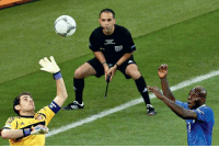 5 years ago today, Iker Casillas asked the referee to blow the timeout whistle early out of 'respect' for Italy in Euro 2012 final.  LEGEND   <YJ>: 5 years ago today, Iker Casillas asked the referee to blow the timeout whistle early out of 'respect' for Italy in Euro 2012 final.  LEGEND   <YJ>