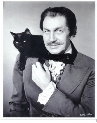 Vincent Price, Master of Horror, with a beautiful black cat! #BlackCatAppreciationDay #BlackCatDay: 6202-P-/f Vincent Price, Master of Horror, with a beautiful black cat! #BlackCatAppreciationDay #BlackCatDay