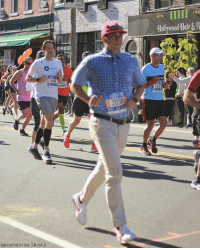 Running in chinos, one man decided to participate in the New York City marathon on Sunday fully dressed as Forrest Gump.: 718.2  47-14  Hollywood Hair&  1718  lemonmonn via Storyful Running in chinos, one man decided to participate in the New York City marathon on Sunday fully dressed as Forrest Gump.