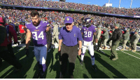 Former Vikings coach Bud Grant is 88-years-old and wore a polo to coin toss in -6 weather (via @nfl): 8  4 Former Vikings coach Bud Grant is 88-years-old and wore a polo to coin toss in -6 weather (via @nfl)