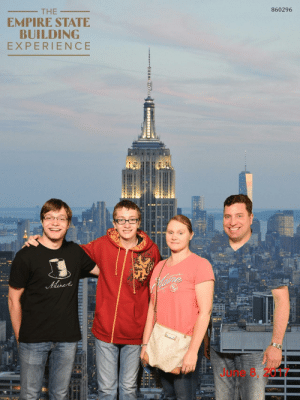 loloftheday:  So my dad wore a green shirt to the Empire State Building tour…: 860296  THE  EMPIRE STATE  BUILDING  EXPERIENCE  June 8, 2017 loloftheday:  So my dad wore a green shirt to the Empire State Building tour…