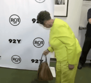 frontpagewoman:  This is my new favorite gif! What on earth? 'Retha settin' down her pocketbook, so she can slay the world in her lime green pants suit?💀😂😭😳 : 9  92Y  92 frontpagewoman:  This is my new favorite gif! What on earth? 'Retha settin' down her pocketbook, so she can slay the world in her lime green pants suit?💀😂😭😳