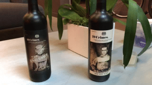 novelty-gift-ideas:  This wine bottle has an augmented reality label  : 9 Crimes. novelty-gift-ideas:  This wine bottle has an augmented reality label