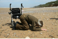 Memes, 🤖, and D-Day: 93-year old D-Day veteran Robert Blatnik returns to Omaha Beach, 70 years later. DDay