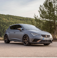 Barcelona, Driving, and Memes: 9406 KDW We've been driving the new Seat Leon Cupra R in Barcelona! More power, a louder exhaust and fettled suspension 👊