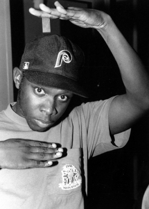 todayinhiphophistory:  Today in Hip Hop History:Phife Dawg of A Tribe Called Quest was born November 20, 1970: 991  31,lli todayinhiphophistory:  Today in Hip Hop History:Phife Dawg of A Tribe Called Quest was born November 20, 1970