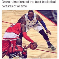 😂😪 nbamemes: Drake ruined One Of the best basketball pictures of all time 😂😪 nbamemes