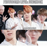 I thought jin is the one who photobombing here lmaoo: PHOTOBOMBLEVEL JUNGKOOK  @BANG TANUMN I thought jin is the one who photobombing here lmaoo