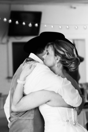 A shot of the bride and groom (friends of mine) at a wedding I photographed a few months ago.: A shot of the bride and groom (friends of mine) at a wedding I photographed a few months ago.