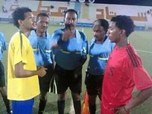 A very rare event in football may not be repeated in the history of football event in the Sudanese league for professionals. Leader of both teams are brothers and the referee is their father! .: A very rare event in football may not be repeated in the history of football event in the Sudanese league for professionals. Leader of both teams are brothers and the referee is their father! .